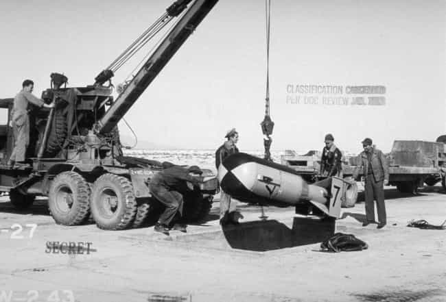 """""""The Gadget"""" H... is listed (or ranked) 2 on the list 21 Unbelievable Photos From The Detonation Of The First Atomic Bomb"""
