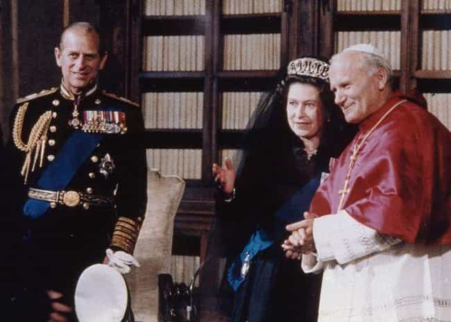 Meeting With Queen Elizabeth I... is listed (or ranked) 4 on the list 24 Awesome Photos Of One Of The Coolest Popes To Ever Live, Pope John Paul II