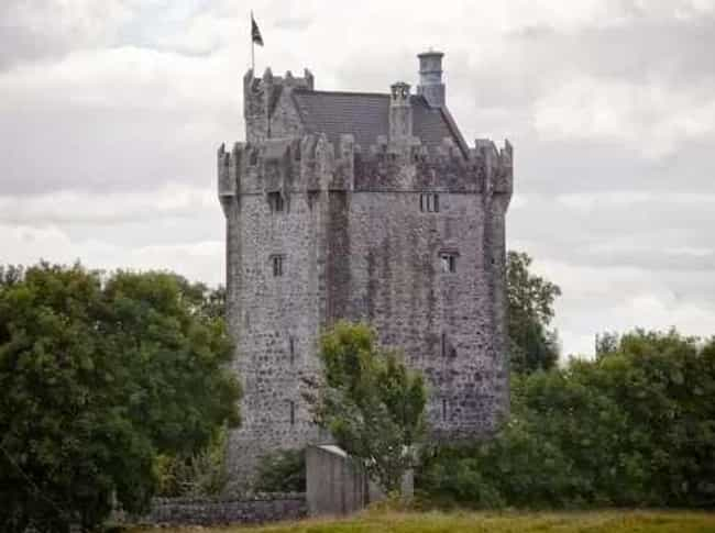 European Castles You Can Rent For Less Than Page - 15 amazing castles of ireland