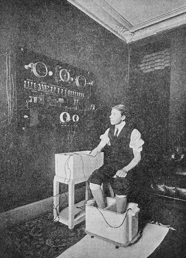 Man In A Hydro-Electric Bath, ... is listed (or ranked) 2 on the list Medical Devices From The Early 1900s Were Absolutely Terrifying