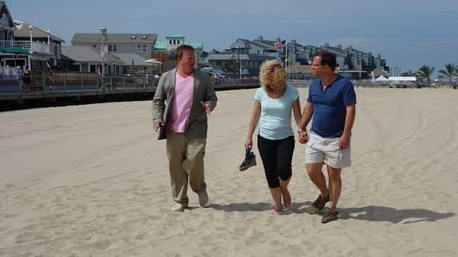 Beachfont Bargain Hunt I... is listed (or ranked) 6 on the list All Your Favorite HGTV Shows Are Totally Fake