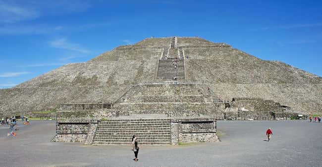 Teotihuacan Was Built By Extra is listed (or ranked) 14 on the list Ancient Aliens May Have Found Actual Proof Of Extraterrestrial Life