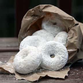 Powdered Cake Krispy Kreme is listed (or ranked) 25 on the list The Very Best Krispy Kreme Flavors