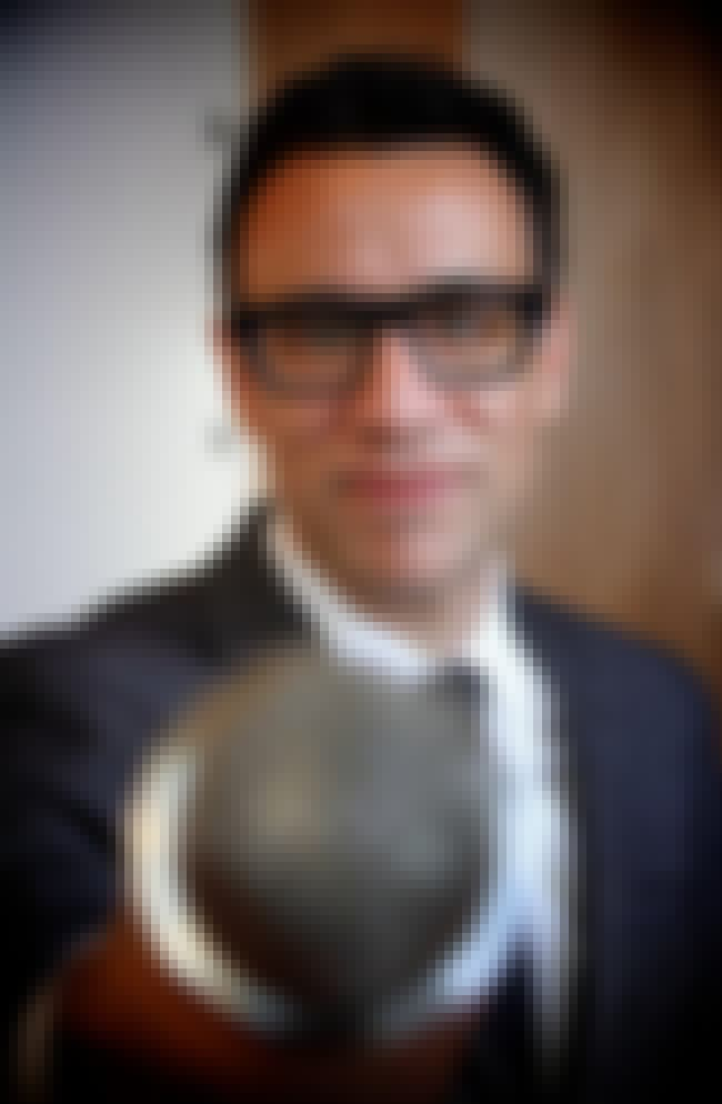 An Ex Painted A Picture Of Him... is listed (or ranked) 2 on the list Seemingly Nice Guy Fred Armisen Basically Gaslights Every Woman He Dates