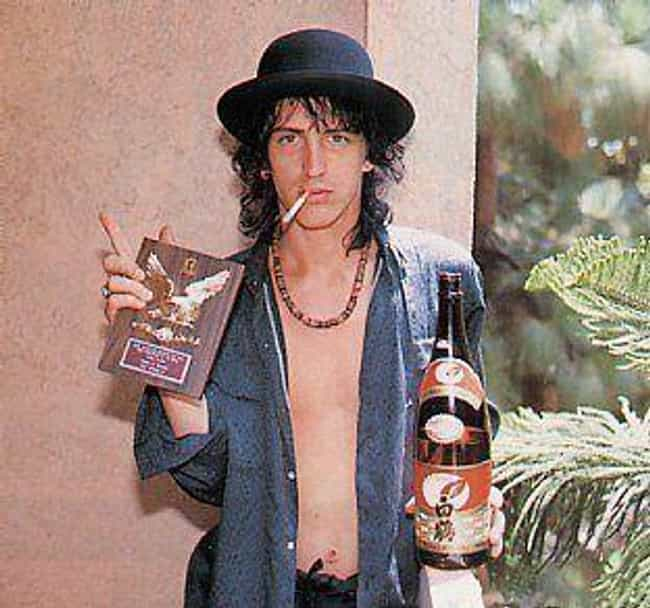 izzy-stradlin-was-arrested-for-urinating