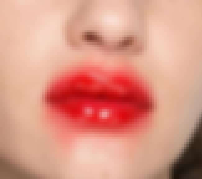 Lollipop Lips is listed (or ranked) 3 on the list Most Ridiculous Beauty Trends Of All Time