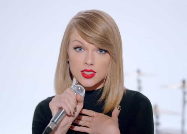 2014: Shaking Off All Th... is listed (or ranked) 4 on the list Taylor Swift's Haircuts, Ranked
