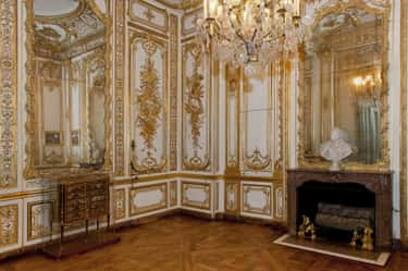Louis XV's Versailles Bathroom Is The Height Of Opulence