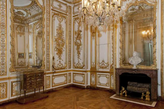 Louis XV's Versailles Bath... is listed (or ranked) 1 on the list 12 Stupendously Lavish And Over The Top Bathrooms From History
