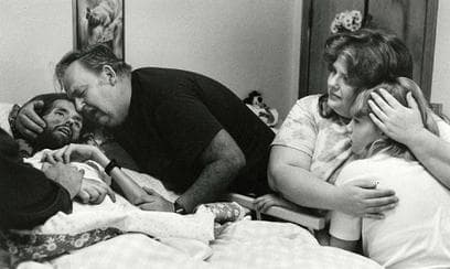 Random Devastating PhotosThat Single-Handedly Changed Public Opinion On AIDS Crisis