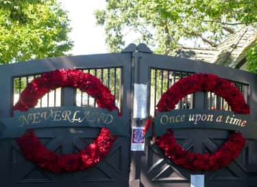 Boys Kissing Door Knocker is listed (or ranked) 1 on the list The Most Bizarre Things At Michael Jackson's Neverland Ranch