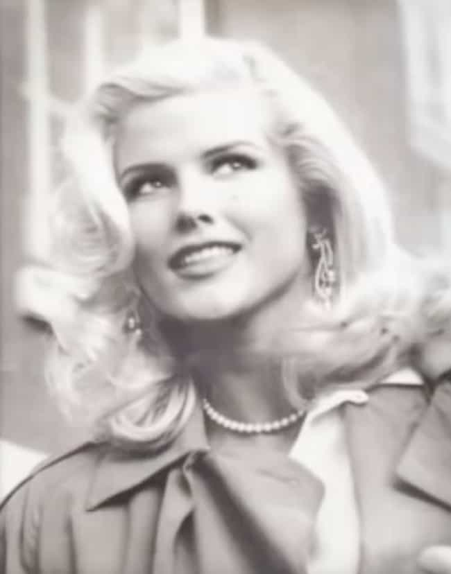 She Behaved A Little Dif... is listed (or ranked) 3 on the list The Details Surrounding Anna Nicole Smith's Death Are Still Murky - And The Theories Haven't Stopped