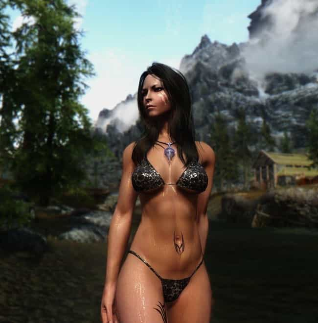 The 20 Most Insanely Inappropriate Outfits In The History Of Gaming