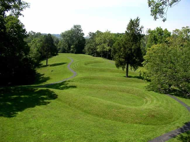 Serpent Mound – Peeblesv... is listed (or ranked) 3 on the list The History Of Indigenous Mounds In America