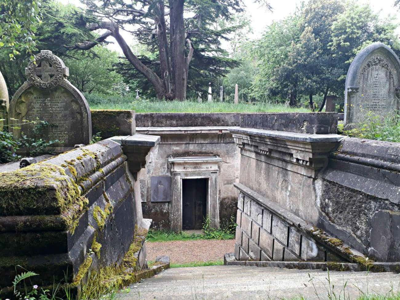 The King Vampire Of The Undead is listed (or ranked) 2 on the list On Friday The 13th, 1970, A Mass Of Londoners Hunted A 'King Vampire' In Highgate Cemetery