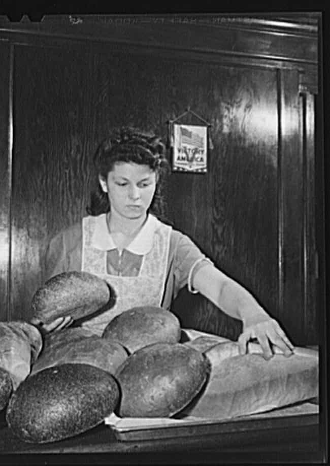 Local Neighborhood Baker... is listed (or ranked) 2 on the list Facts About Wonder Bread's Dark Origins