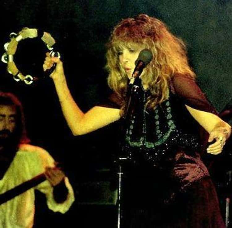 """During The Recording Of """"Fleetwood Mac"""" Stevie Rarely Stopped Dancing"""