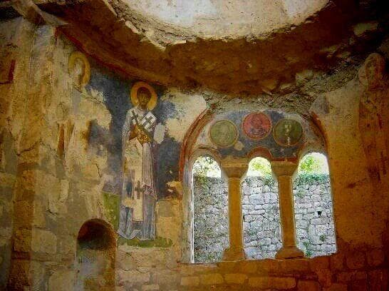 Image of Random Archaeologists In Turkey Believe They've Discovered Tomb Of Saint Nicholas
