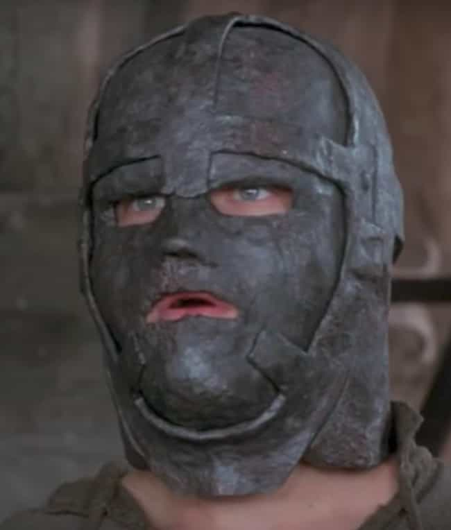 the man in the iron mask plot summary