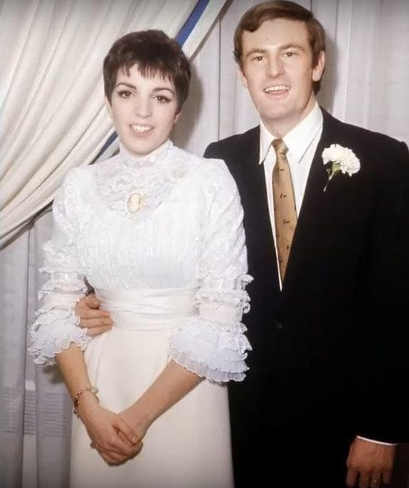Liza Minnelli And Peter Allen, 1967 on Random Rarely Seen Photos Of Old Hollywood Legends On Their Wedding Day