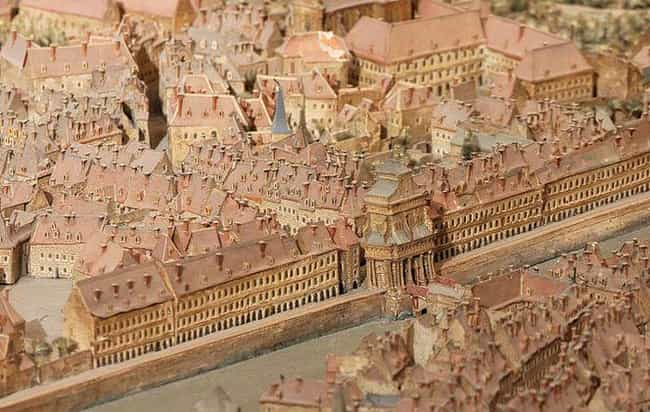 Detailed Look At The Fortifica... is listed (or ranked) 4 on the list Before Satellites, A French King Constructed Painstaking Miniatures Of Cities To Plan Wars