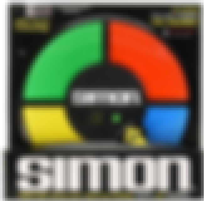 Simon is listed (or ranked) 4 on the list Retro Toys For Your Friend That Can't Stop Thinking About 'The Good Old Days'