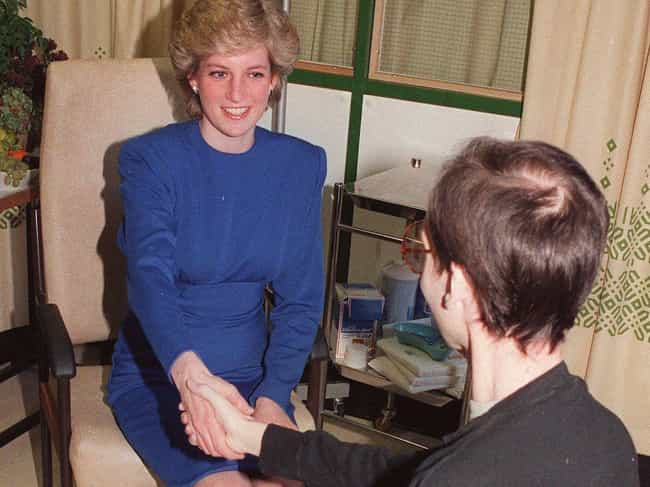 Princess Diana Challenge... is listed (or ranked) 1 on the list This Photo Of Princess Diana Shaking Hands With An AIDS Patient Changed The World Forever