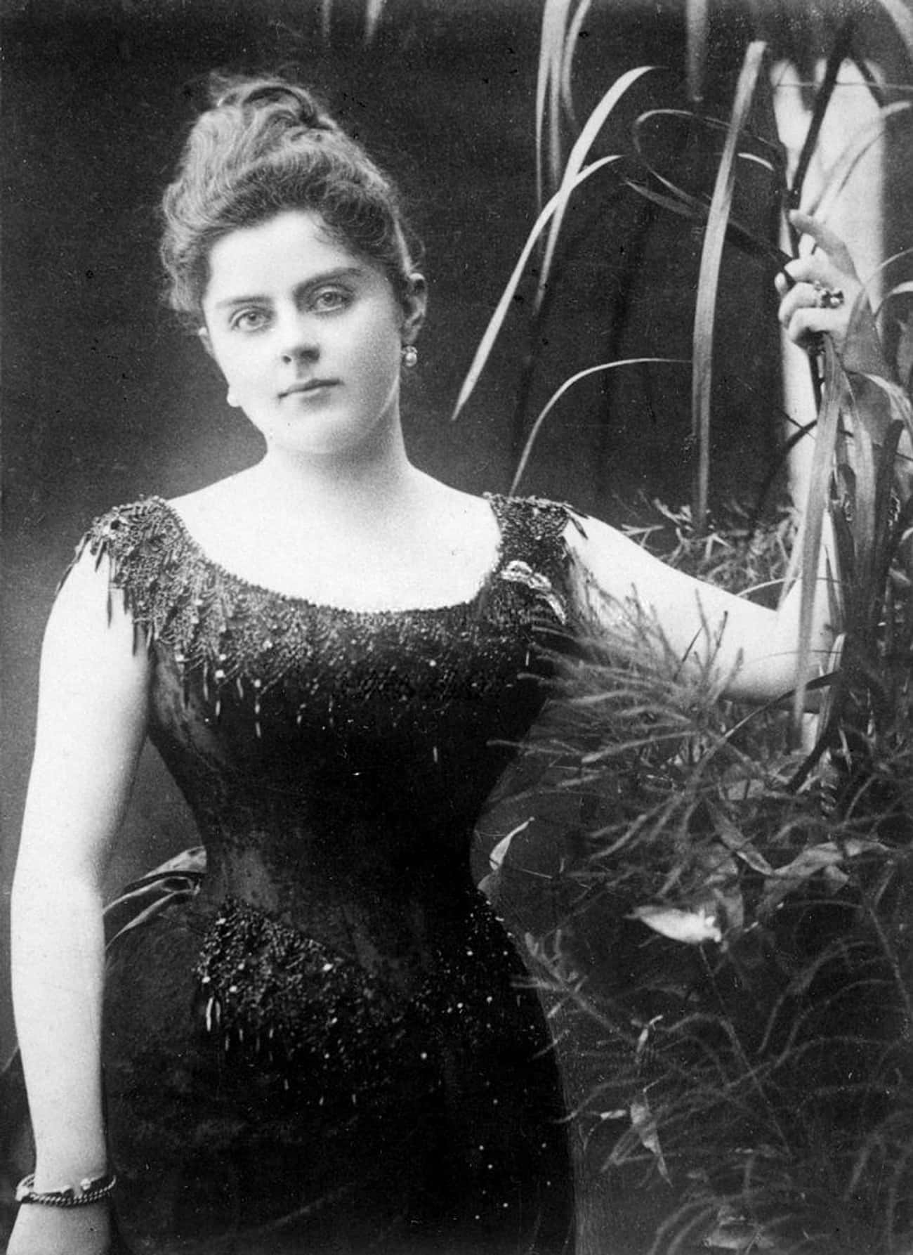 Mary Was Very Young When She B is listed (or ranked) 2 on the list The Murder-Suicide Pact That Paved The Way For World War I –And Changed The World Forever