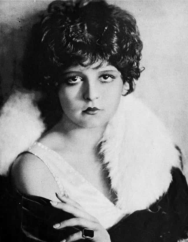 Clara Bow Popularized The Cupi... is listed (or ranked) 3 on the list Here's What The Ideal Beauty Standards For Men And Women In The 1920s Looked Like