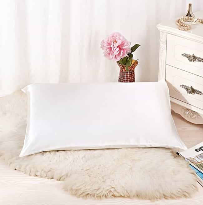 Natural Silk Pillowcase By Ala... is listed (or ranked) 3 on the list Must-Have Beauty Products You've Never Heard About With 1000+ Positive Reviews