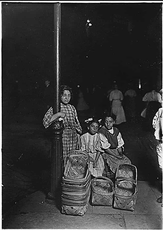 Basket Sellers In Ohio, 1908 is listed (or ranked) 3 on the list These Pictures Show The Brutal Reality Of Life Before Child Labor Laws In The US