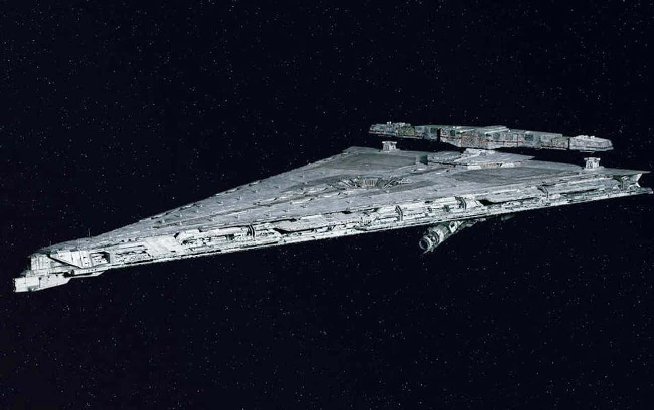 First Order Dreadnought is listed (or ranked) 3 on the list Every Cool New Addition To The Star Wars Universe Introduced In The Last Jedi