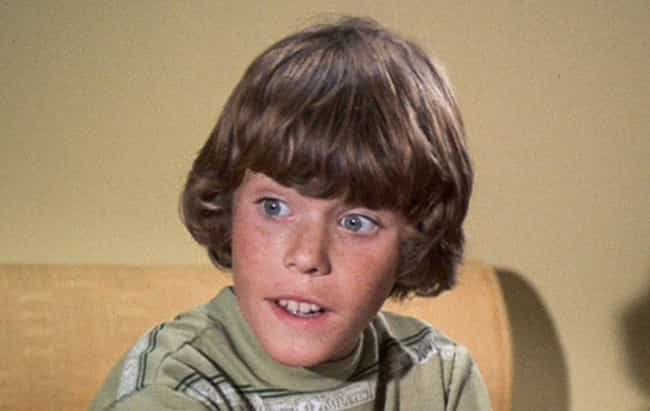 Bobby Developed Alcoholism In ... is listed (or ranked) 4 on the list The Real Cast of the Brady Bunch Led Extremely Tragic Lives Behind The Scenes