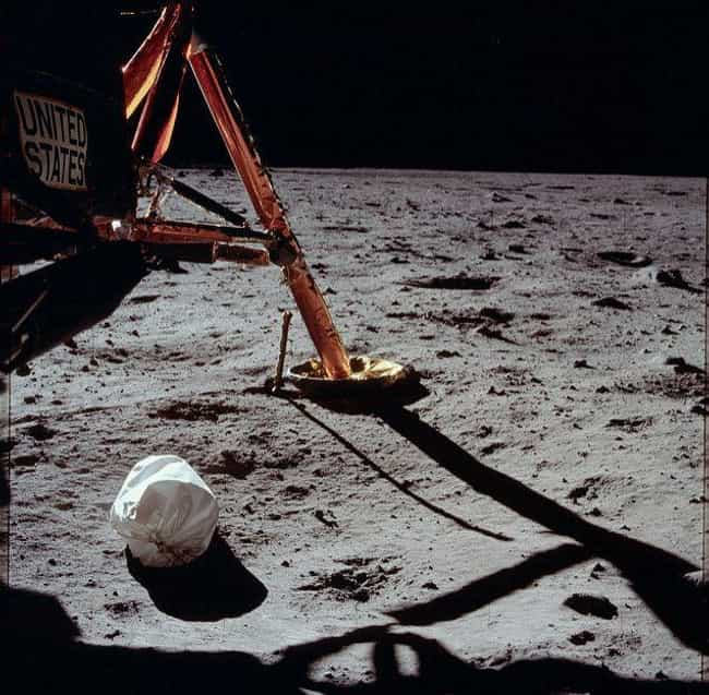 "There Was No Blast Crater Due ... is listed (or ranked) 4 on the list Yes, We Really Landed On The Moon And Simple Science Debunks All The ""Evidence"" Of A Conspiracy"