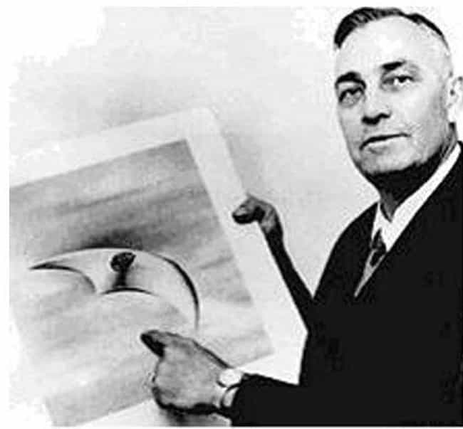 """Kenneth Arnold Saw Nine Ships ... is listed (or ranked) 1 on the list The Term """"Flying Saucer"""" Originated With This Infamous Sighting, Only A Few Weeks Before Roswell"""
