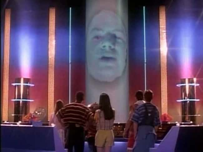 5. Zordon's voice was provided by Robert L. Manahan. Unfortunately, a heart aneurysm took Manahan's life at 43, two years after he left the Power Rangers.