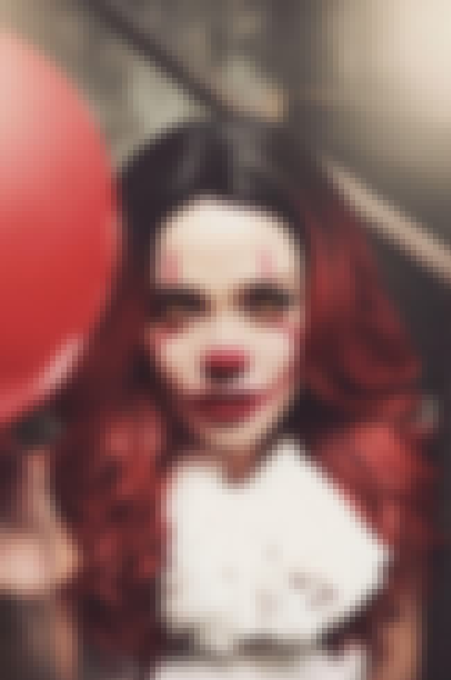 An Instagram-Worthy Killer Clo... is listed (or ranked) 2 on the list These Sexy Pennywise Cosplays Will Both Intrigue And Confuse You