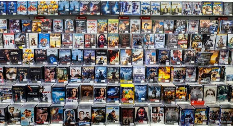 Blockbuster Was The First Store To Keep Tapes On Shelves