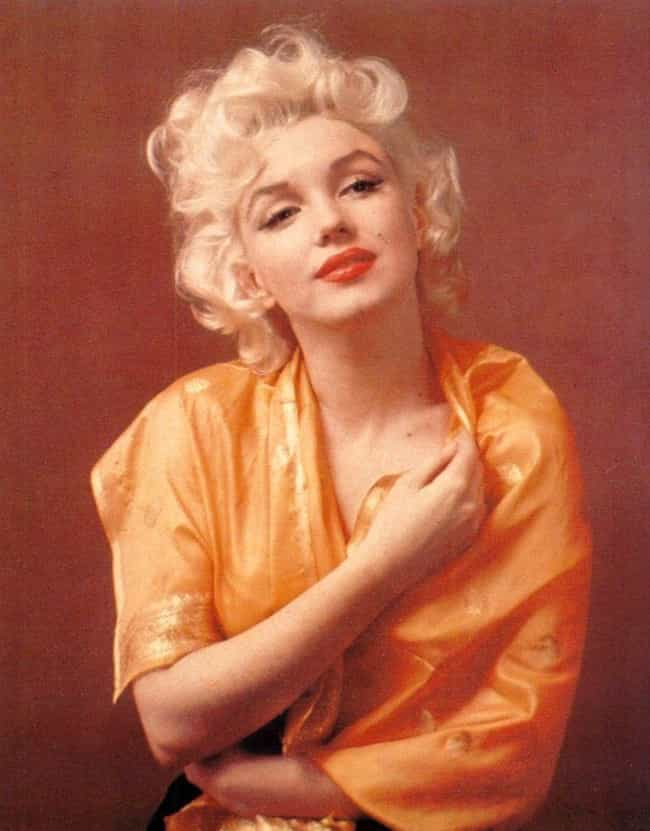 She Cut Her Fake Eyelashes In ... is listed (or ranked) 4 on the list Marilyn Monroe's Beauty Secrets