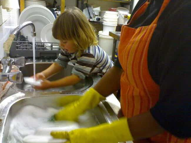 Paying Kids For Chores Sends T... is listed (or ranked) 1 on the list What Money Experts Say About Giving Your Kid An Allowance At An Early Age