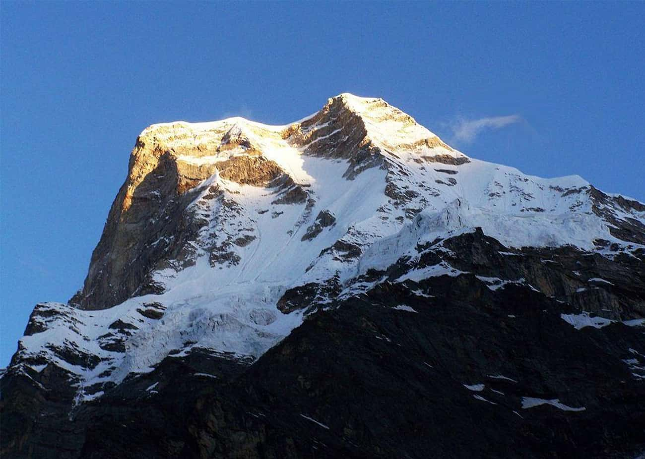 Unidentified Bodies Pop Up Lef is listed (or ranked) 2 on the list For Decades, Climbers Have Encountered Ghosts And Supernatural Phenomena On Mount Everest
