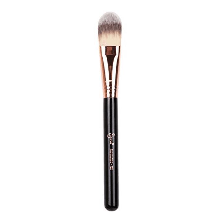 Random Wrong Ways Using Makeup Brushes