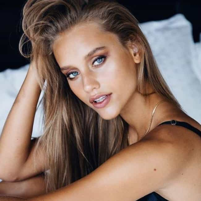 Chase Carter is listed (or ranked) 4 on the list Cameron Dallas Loves And Hookups