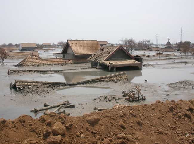 2010 Gansu Mudslide is listed (or ranked) 4 on the list The Worst Mudslides in History
