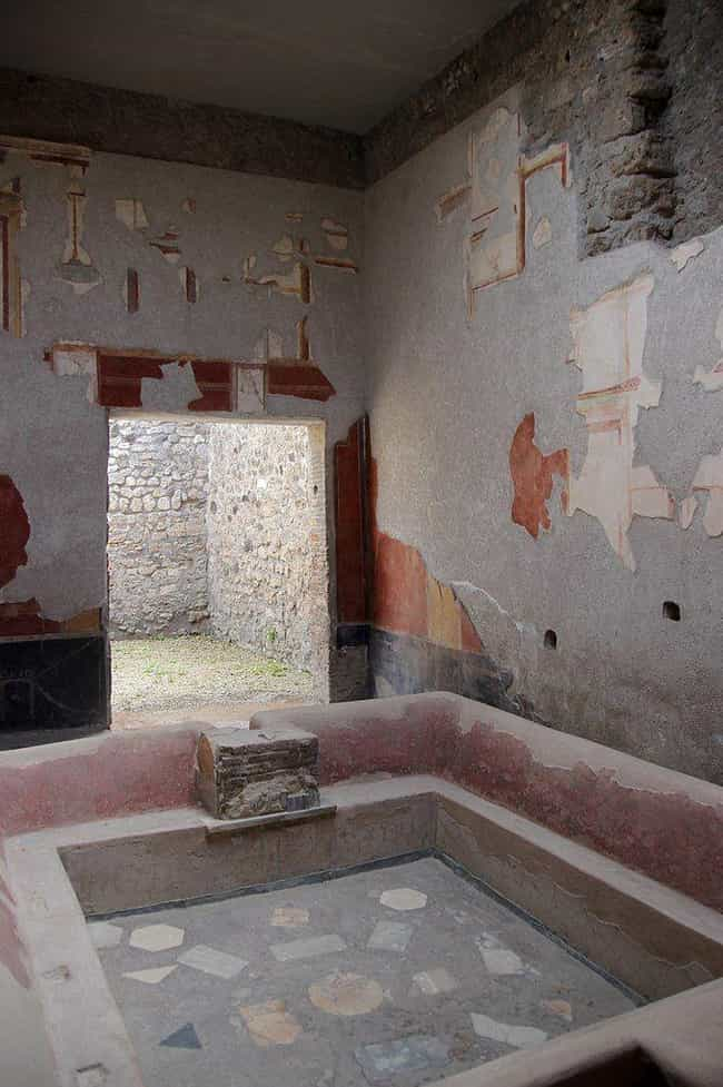 Roman Laundries Collected Huma... is listed (or ranked) 2 on the list These Historical Peoples Did Some Pretty Interesting Things With Human Waste