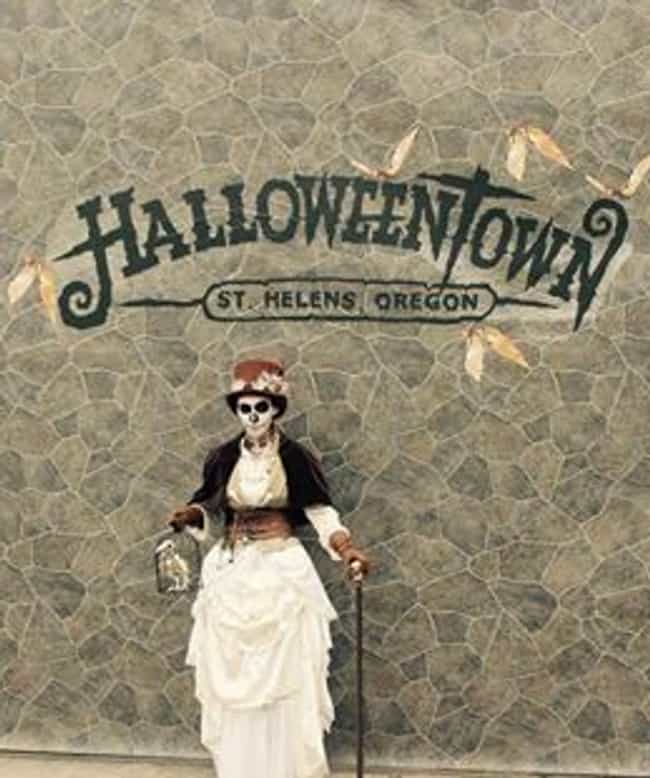 Halloweentown In St. Helens, O... is listed (or ranked) 3 on the list The Best Halloween Parades And Celebrations In The US To Attend This Year