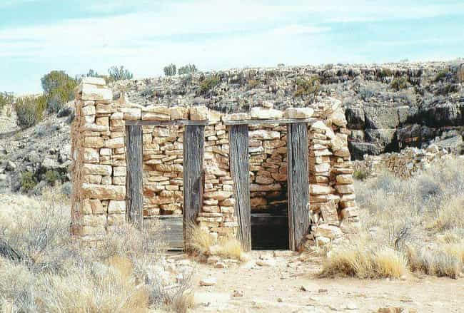 The Town Began As A Modest Tra... is listed (or ranked) 2 on the list The Tragic And Cursed History Of Two Guns, Arizona