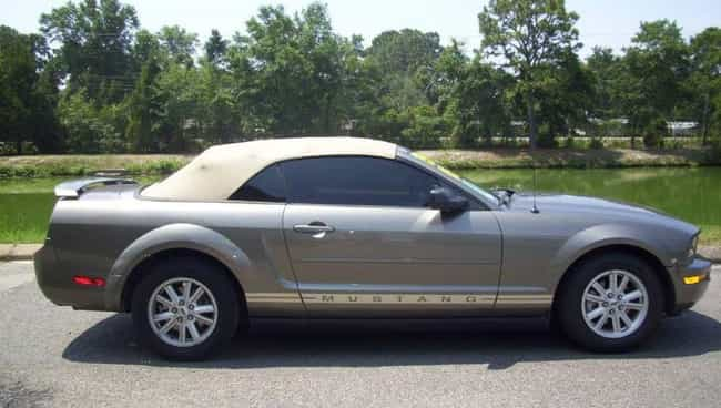 Ford Mustang Deluxe Convertibl... is listed (or ranked) 2 on the list List of Popular Ford Convertibles