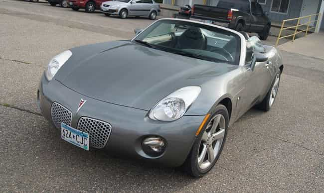 Pontiac Solstice Base is listed (or ranked) 2 on the list List of Popular Pontiac Convertibles