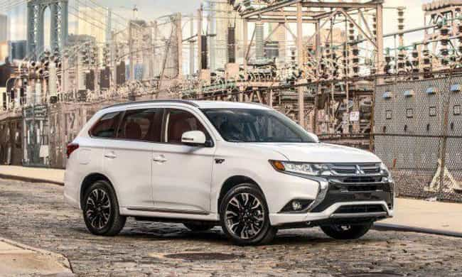 2017 Mitsubishi Outlander is listed (or ranked) 3 on the list List of Popular Mitsubishi Sport utility vehicles